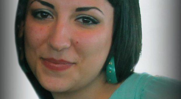 Suicida a 22 anni a La Maddalena, indagati tre amici: la ricattavano per un video hard