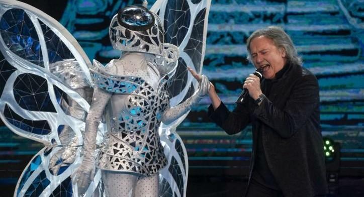 """La-farfalla-interpretata-dalla-cantante-Mietta-e-Red-Canzian-durante-la-serata-finale-della-trasmissione-Rai-""""Il-cantante-mascherato""""-773x505"""